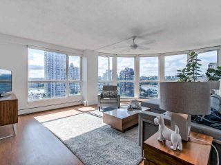 Photo 3: 1305 283 DAVIE STREET in Vancouver: Yaletown Condo for sale (Vancouver West)  : MLS®# R2491218
