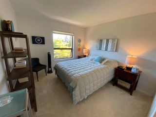 """Photo 11: 403 5855 COWRIE Street in Sechelt: Sechelt District Condo for sale in """"THE OSPREY"""" (Sunshine Coast)  : MLS®# R2581571"""