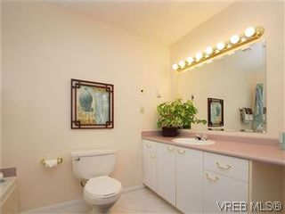 Photo 16: 1028 Adeline Pl in VICTORIA: SE Broadmead House for sale (Saanich East)  : MLS®# 573085