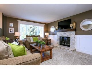 Photo 3: 9225 209A Crescent in Langley: Walnut Grove House for sale : MLS®# F1418568