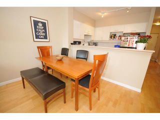 """Photo 3: 207 1688 CYPRESS Street in Vancouver: Kitsilano Condo for sale in """"YORKVILLE SOUTH"""" (Vancouver West)  : MLS®# V888402"""