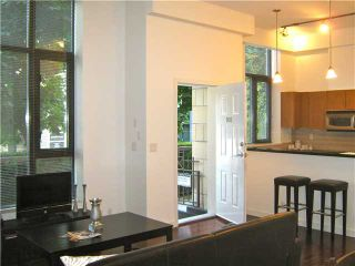 """Photo 1: 901 RICHARDS Street in Vancouver: Downtown VW Townhouse for sale in """"MODE"""" (Vancouver West)  : MLS®# V962659"""