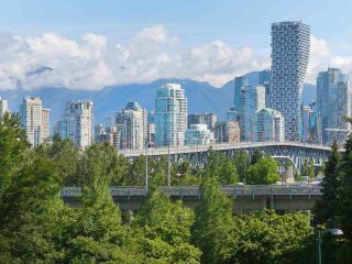 "Photo 5: 404 1485 W 6TH Avenue in Vancouver: False Creek Condo for sale in ""Carrara of Portico"" (Vancouver West)  : MLS®# R2408477"