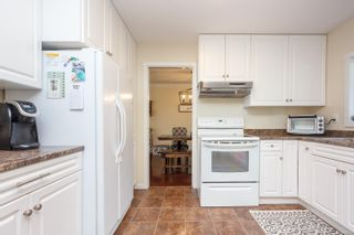 Photo 12: 10306 Gabriola Pl in Sidney: Si Sidney North-East House for sale : MLS®# 869552