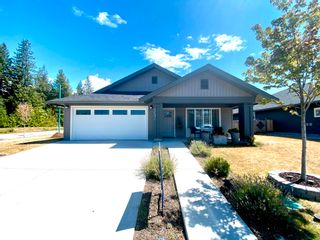 """Photo 1: 5692 PARTRIDGE Way in Sechelt: Sechelt District House for sale in """"TYLER HEIGHTS"""" (Sunshine Coast)  : MLS®# R2603814"""