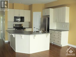 Photo 5: 301 WAYMARK CRESCENT in Ottawa: House for rent : MLS®# 1259127