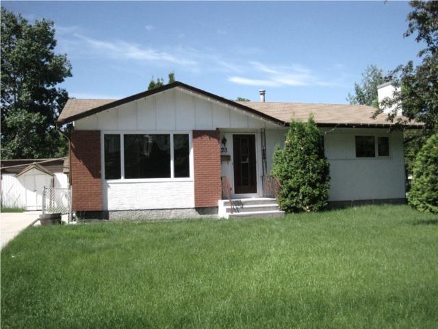 Main Photo: 28 MOUNT ALLISON Bay in WINNIPEG: Fort Garry / Whyte Ridge / St Norbert Residential for sale (South Winnipeg)  : MLS®# 1011225