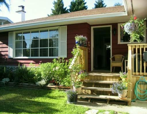 """Main Photo: 9631 GLENACRES Drive in Richmond: Saunders House for sale in """"SAUNDERS"""" : MLS®# V623519"""