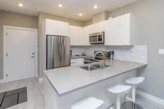 Photo 11: 102 1460 Pandora Ave in : Vi Jubilee Condo for sale (Victoria)  : MLS®# 886767