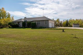 Photo 3: 9 Sunrise Bay in St Andrews: R13 Residential for sale : MLS®# 202124099