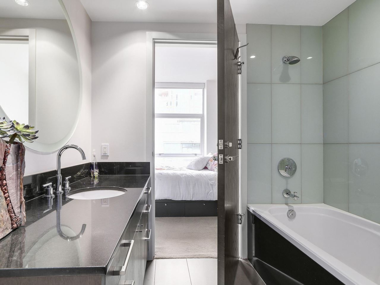 Photo 18: Photos: 401 1455 HOWE STREET in Vancouver: Yaletown Condo for sale (Vancouver West)  : MLS®# R2145939