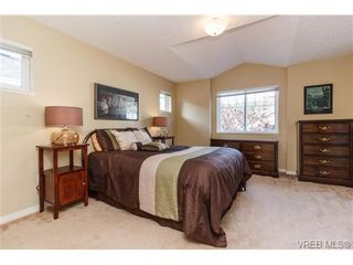 Photo 10: 108 Thetis Vale Cres in VICTORIA: VR Six Mile House for sale (View Royal)  : MLS®# 707982
