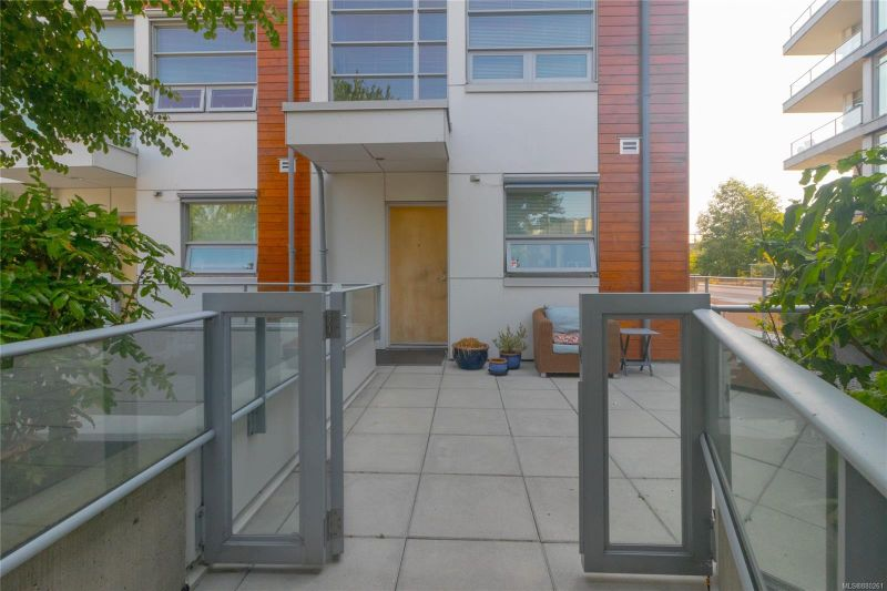 FEATURED LISTING: 1 - 389 Tyee Rd