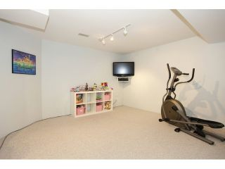Photo 17: 6782 184 ST in Surrey: Cloverdale BC Condo for sale (Cloverdale)  : MLS®# F1437189