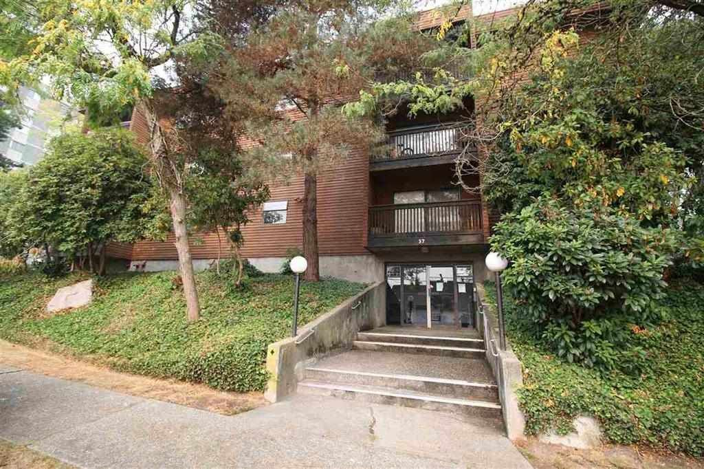 """Main Photo: 103 37 AGNES Street in New Westminster: Downtown NW Condo for sale in """"Agnes Court"""" : MLS®# R2565240"""