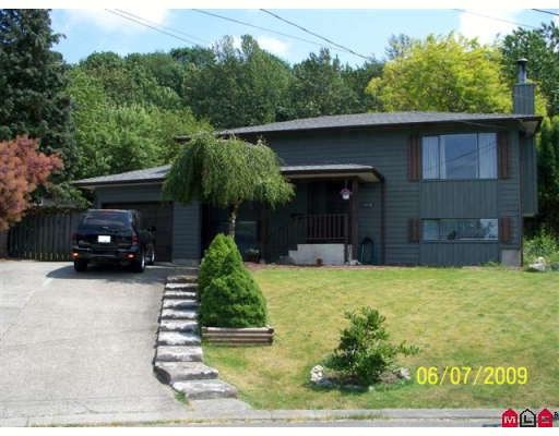 "Main Photo: 3076 TODD Court in Abbotsford: Abbotsford East House for sale in ""MCMILLAN/GLENRIDGE"" : MLS®# F2921643"