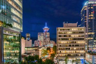 """Photo 5: 1017 788 RICHARDS Street in Vancouver: Downtown VW Condo for sale in """"L'HERMITAGE"""" (Vancouver West)  : MLS®# R2388898"""