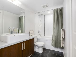 """Photo 11: 1001 1068 W BROADWAY in Vancouver: Fairview VW Condo for sale in """"The Zone"""" (Vancouver West)  : MLS®# R2148292"""