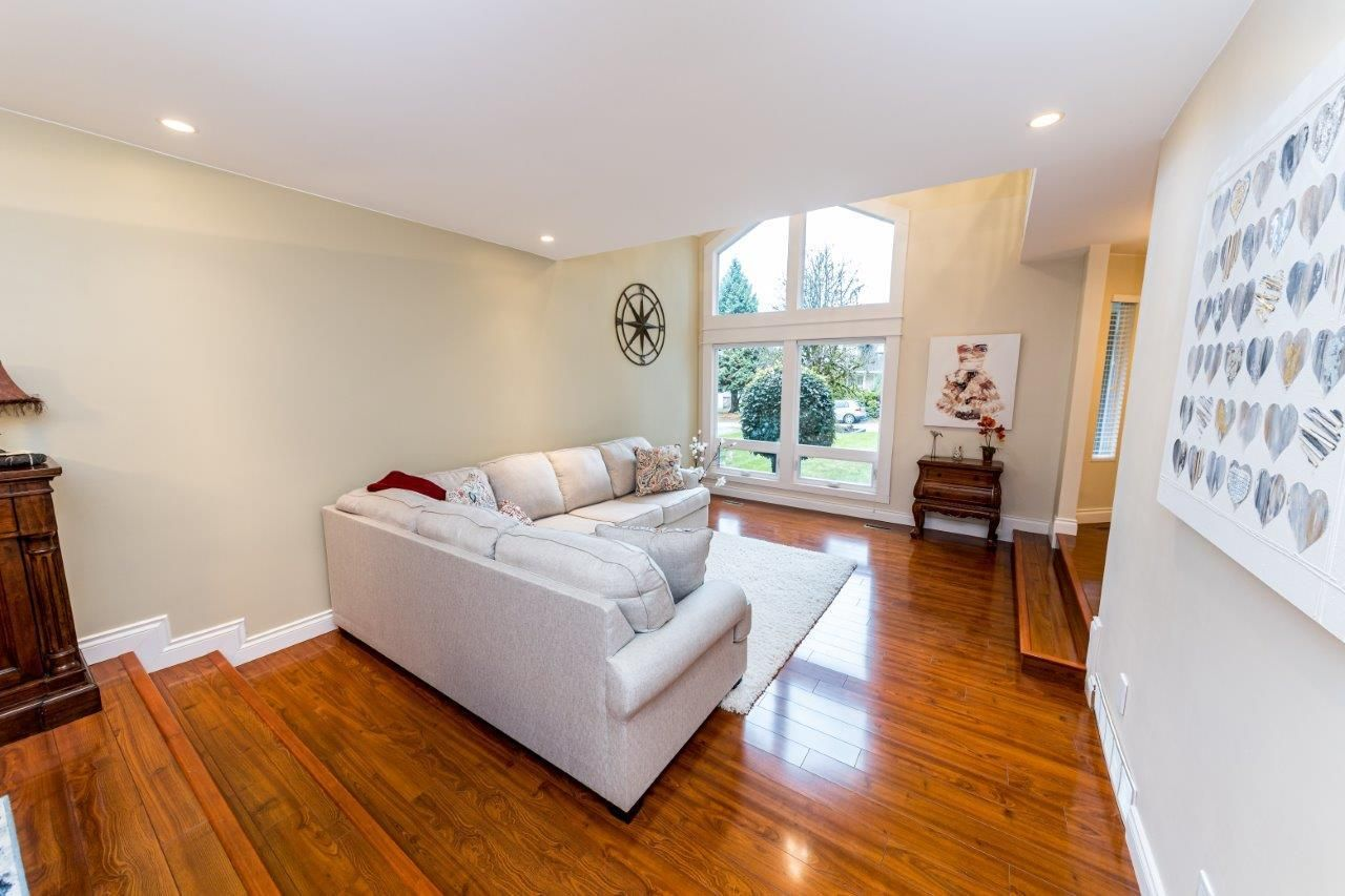 Photo 4: Photos: 1530 LIGHTHALL COURT in North Vancouver: Indian River House for sale : MLS®# R2516837