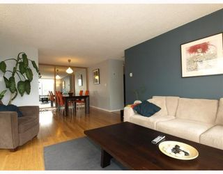 """Photo 5: 303 540 LONSDALE Avenue in North_Vancouver: Lower Lonsdale Condo for sale in """"Grosvenor Place"""" (North Vancouver)  : MLS®# V757552"""