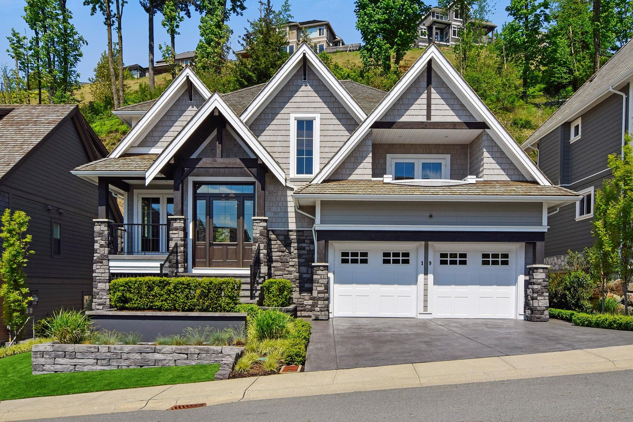 Main Photo: 19 35689 GOODBRAND Drive in Abbotsford: Abbotsford East House for sale : MLS®# R2267349