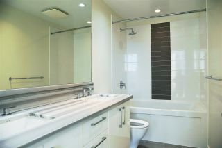 """Photo 8: 1601 4880 BENNETT Street in Burnaby: Metrotown Condo for sale in """"CHANCELOR"""" (Burnaby South)  : MLS®# R2538424"""