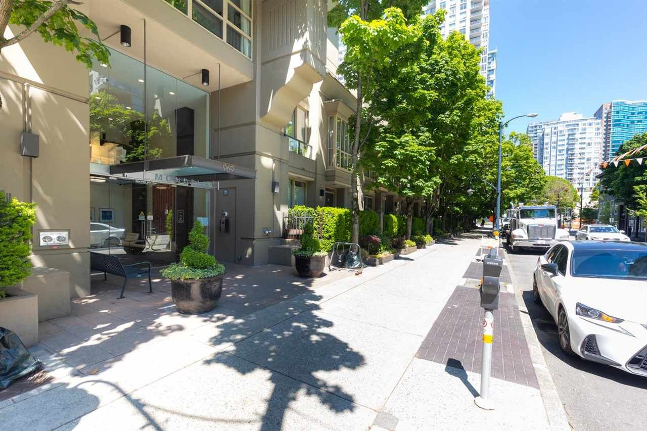 Main Photo: 1708 969 RICHARDS Street in Vancouver: Downtown VW Condo for sale (Vancouver West)  : MLS®# R2589054