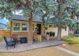Photo 2: 3507 Spruce Drive SW in Calgary: Spruce Cliff Detached for sale : MLS®# A1117152