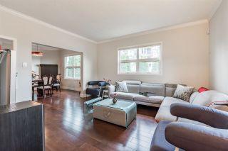 "Photo 2: 925 E 19TH Avenue in Vancouver: Fraser VE House for sale in ""KENSINGTON/CEDAR COTTAGE"" (Vancouver East)  : MLS®# R2161011"