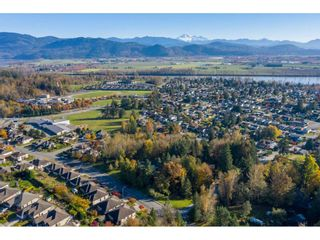 Photo 7: 7816 DUNSMUIR Street in Mission: Mission BC House for sale : MLS®# R2512120