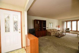 Photo 2: 41 Cawder Drive NW in Calgary: Collingwood Detached for sale : MLS®# A1063344
