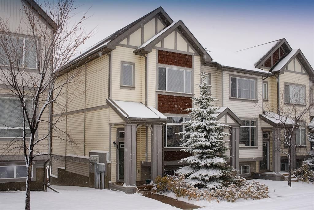 Main Photo: 19 COPPERPOND Close SE in Calgary: Copperfield Row/Townhouse for sale : MLS®# A1049083