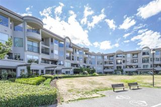 "Photo 3: 302 1859 SPYGLASS Place in Vancouver: False Creek Condo for sale in ""SAN REMO COURT"" (Vancouver West)  : MLS®# R2303560"