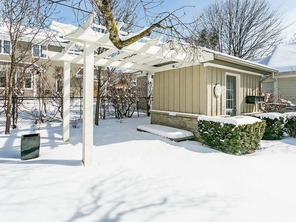 Photo 32: Photos: 569 WOODLAND Avenue in Burlington: Residential for sale : MLS®# H4047496