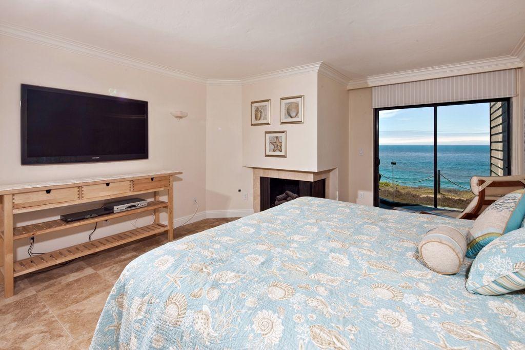 Photo 8: Photos: Condo  : 2 bedrooms :  in Solana Beach