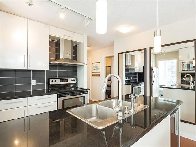 Main Photo: 906 188 KEEFER PLACE in : Downtown VW Condo for sale (Vancouver West)  : MLS®# R2096572