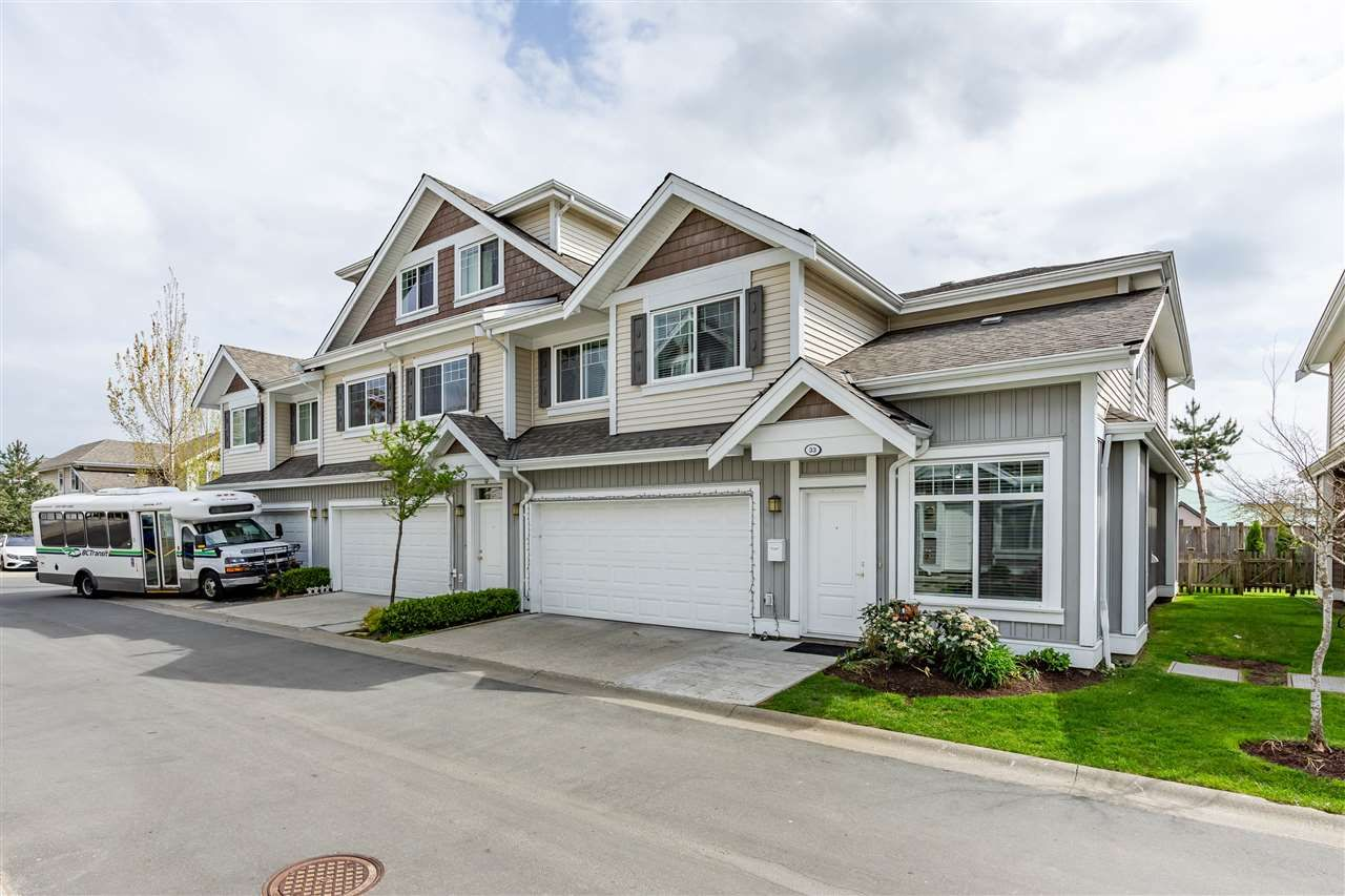 Main Photo: 33 30748 CARDINAL Avenue in Abbotsford: Abbotsford West Townhouse for sale : MLS®# R2569685