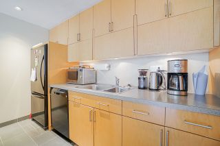 """Photo 11: 410 1655 NELSON Street in Vancouver: West End VW Condo for sale in """"Hampstead Manor"""" (Vancouver West)  : MLS®# R2513219"""