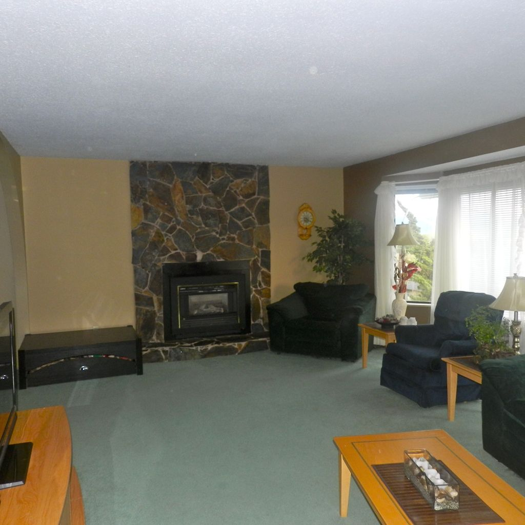 Photo 2: Photos: 33305 ROSE Avenue in Mission: Mission BC House for sale : MLS®# F1211840