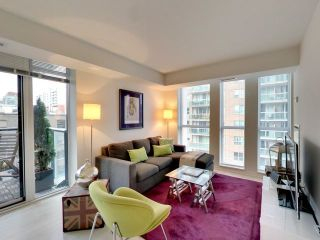 Photo 3: 812 400 E Adelaide Street in Toronto: Moss Park Condo for sale (Toronto C08)  : MLS®# C3764968