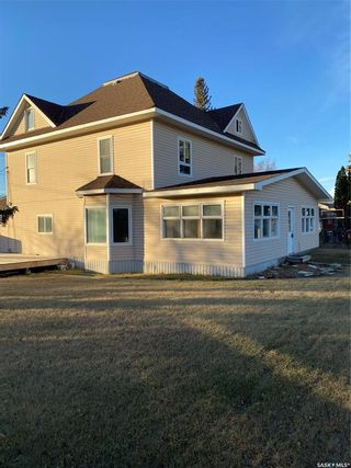 Photo 2: 818 6th Street in Perdue: Residential for sale : MLS®# SK838855