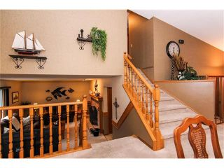 Photo 12: 139 MCKERRELL Way SE in Calgary: McKenzie Lake House for sale : MLS®# C4102134
