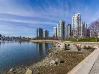 Photo 18: Vancouver West in Yaletown: Condo for sale : MLS®# R2079482