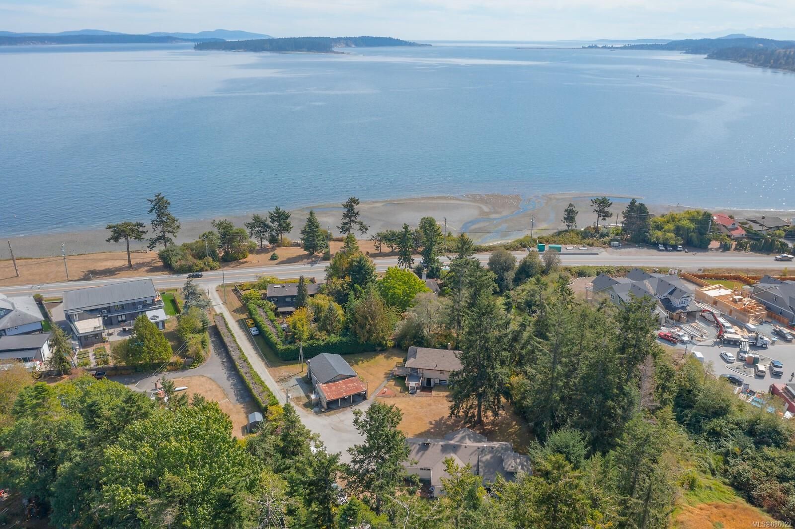 Main Photo: 9320/9316 Lochside Dr in : NS Bazan Bay House for sale (North Saanich)  : MLS®# 886022