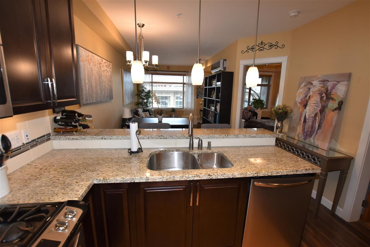 """Photo 8: Photos: 503 8157 207 Street in Langley: Willoughby Heights Condo for sale in """"York Creek Parkside II (Building B)"""" : MLS®# R2559343"""