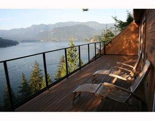 Photo 1: 4720 EASTRIDGE Road in North Vancouver: Deep Cove House for sale : MLS®# V748012