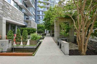 """Photo 3: 202 633 ABBOTT Street in Vancouver: Downtown VW Condo for sale in """"Espana"""" (Vancouver West)  : MLS®# R2483483"""