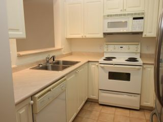 """Photo 6: 307 2059 CHESTERFIELD Avenue in North Vancouver: Central Lonsdale Condo for sale in """"Ridge Park Gardens"""" : MLS®# R2618308"""