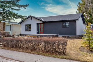 Photo 3: 96 Bennett Crescent NW in Calgary: Brentwood Detached for sale : MLS®# A1093347
