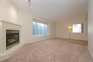 Photo 6: 24 Eagle Lane in VICTORIA: VR Glentana Manufactured Home for sale (View Royal)  : MLS®# 775804